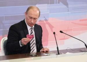 Putin_s_valentine_width_600x[1]