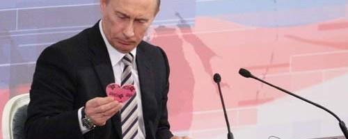 Rosa Herzen für Homos, Sterne für Juden?