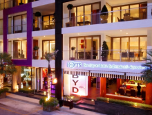 Phuket: BYD Lofts Boutique Hotel / Top20 Hotel