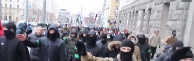Bilder, die ARD und ZDF nicht zeigen:   Hitlergruß